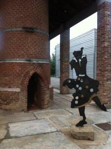 Ezio Gribaudo, Installazione di scultura in bronzo presso le Fonderie Limone, courtesy Paola Gribaudo