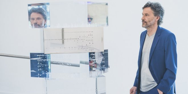 In conversazione con Riccardo De Marchi: nuovi alfabeti sottraendo la materia