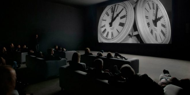 """The Clock"" di Christian Marclay alla Tate Modern"